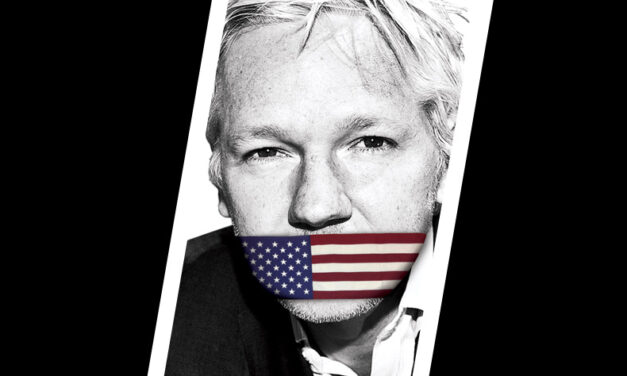 Julian Assange Libero! rischia fino a 175 anni di carcere
