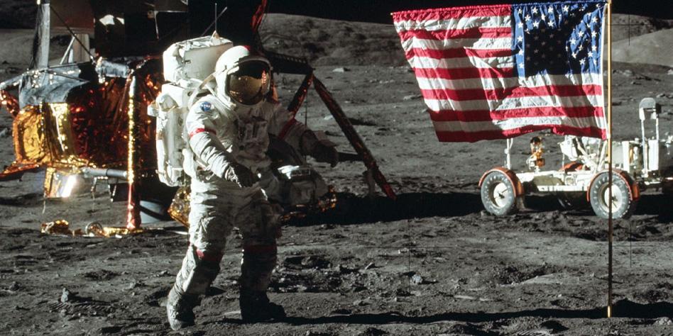 """Mai stati sulla Luna! """"American Moon"""" – MASSIMO MAZZUCCO"""
